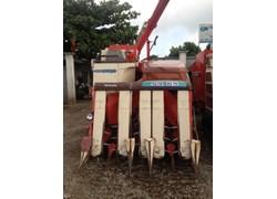 Máy gặt đập liên hợp Kubota SR65