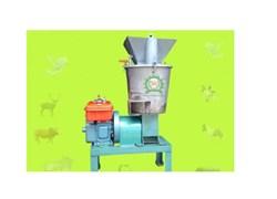Máy chế biến thức ăn chăn nuôi động cơ Diesel/5Hp