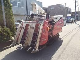 Máy gặt đập liên hợp Yanmar GC440