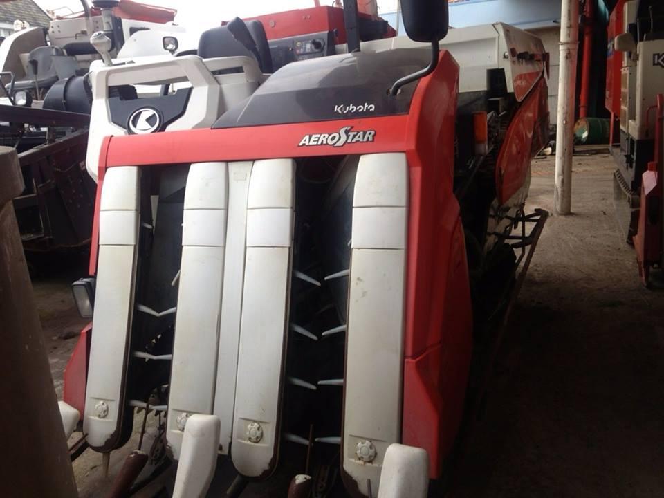 Máy gặt đập liên hợp Kubota AR36 hinh anh 1