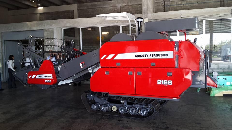 Máy gặt đập liên hợp Massey Ferguson MF2168  hinh anh 1