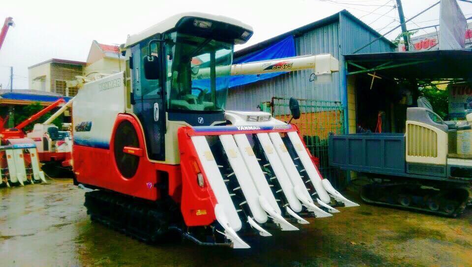 Máy gặt đập liên hợp Yanmar GC 695 hinh anh 1