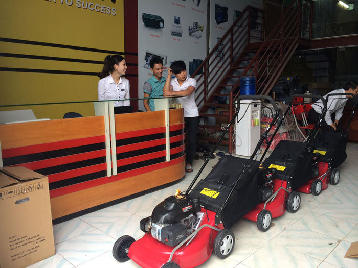 Máy cắt cỏ Honda HRU 196 hinh anh 1