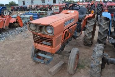 Máy cày KUBOTA L2201 2WD hinh anh 1