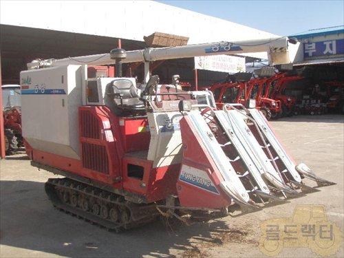 Máy gặt liên hợp HU6500G hinh anh 1