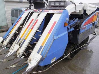 Máy gặt đập liên hợp Iseki HA448G hinh anh 1