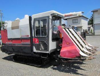 Máy gặt đập liên hợp Mitsubishi MC6000 hinh anh 1