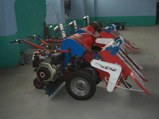 Máy gặt đập mini 4LS-100 hinh anh 1