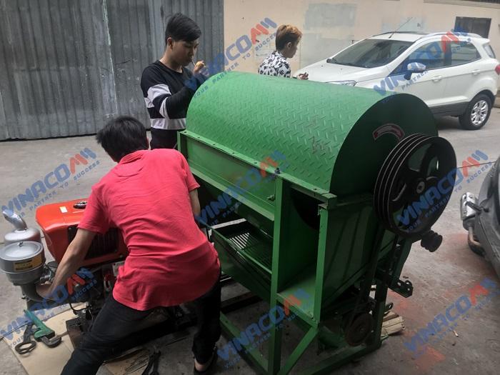 Máy tuốt lạc liên hoàn chạy động cơ dầu  hinh anh 7